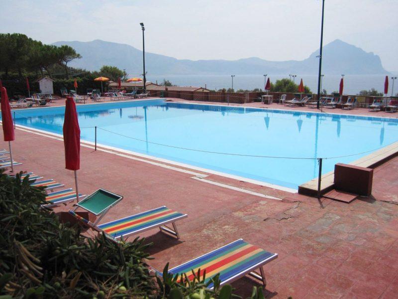 Camping El Bahira zwembad