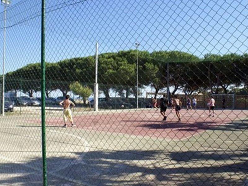 Village Kamemi tennisbaan