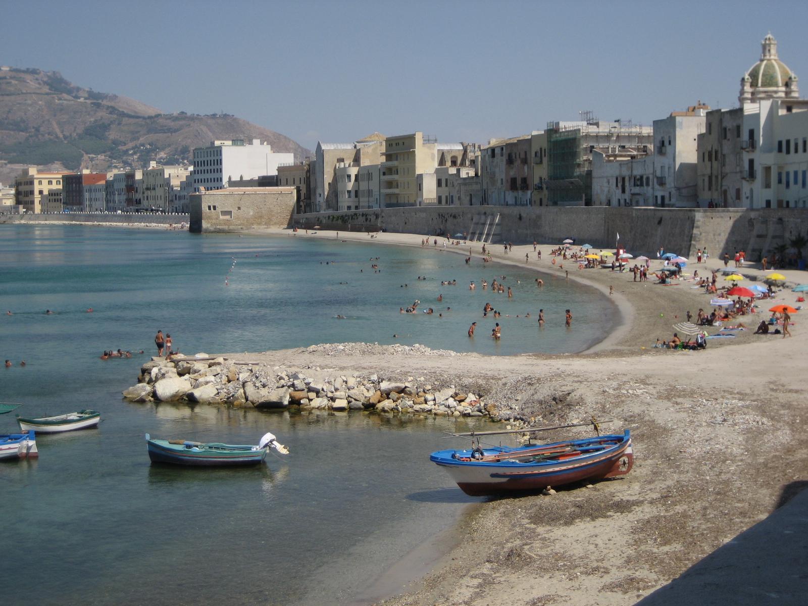 Mura_di_Tramontana_-_centro_storico - mooiste stranden van Sicilië