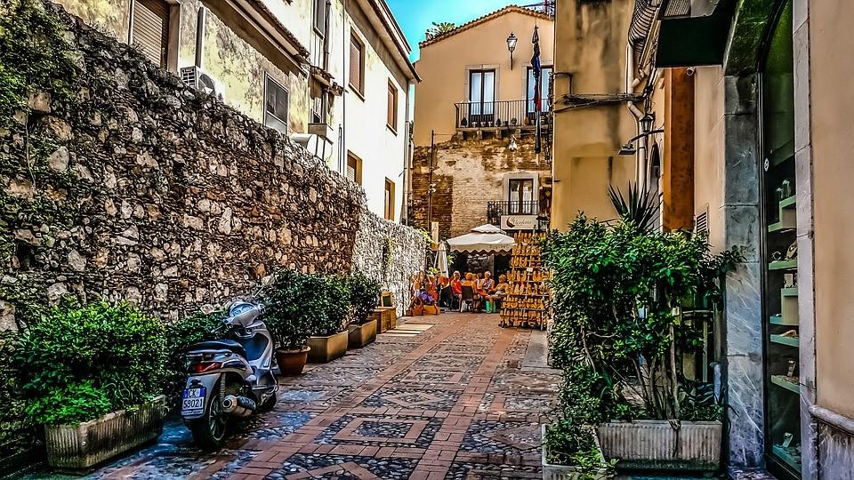 Touren op Sicilië met de scooter