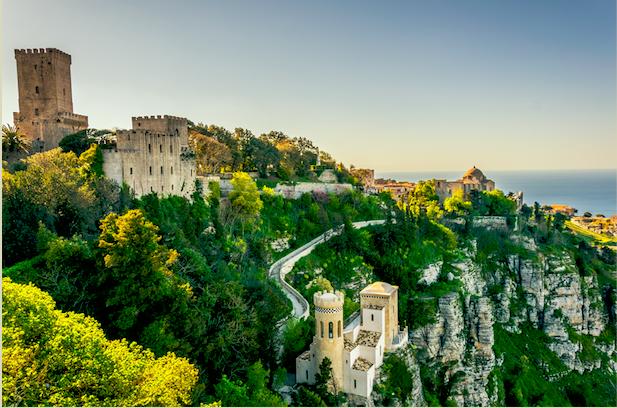 Reis mee naar de historische stad Erice in Italië